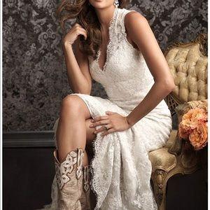 Dresses & Skirts - Wedding dress size 10